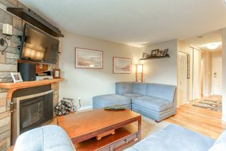 "Photo 10: 19 20599 51A Avenue in Langley: Langley City Townhouse for sale in ""Forest View"" : MLS®# R2466963"