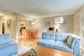 "Photo 11: 19 20599 51A Avenue in Langley: Langley City Townhouse for sale in ""Forest View"" : MLS®# R2466963"
