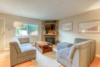 "Photo 8: 19 20599 51A Avenue in Langley: Langley City Townhouse for sale in ""Forest View"" : MLS®# R2466963"