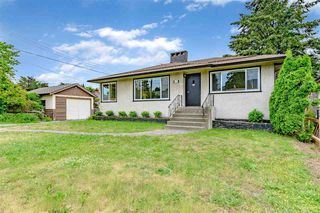 Main Photo: 447 E 14TH Street in North Vancouver: Central Lonsdale House for sale : MLS®# R2467556