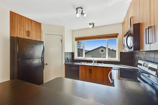 Photo 8: 27 Prestwick Place SE in Calgary: McKenzie Towne Detached for sale : MLS®# A1025938