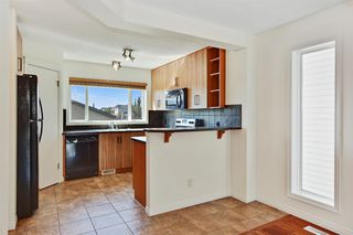Photo 7: 27 Prestwick Place SE in Calgary: McKenzie Towne Detached for sale : MLS®# A1025938
