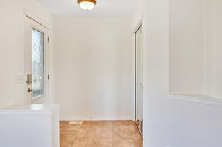 Photo 3: 27 Prestwick Place SE in Calgary: McKenzie Towne Detached for sale : MLS®# A1025938