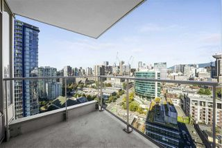 """Photo 3: 2802 188 KEEFER Place in Vancouver: Downtown VW Condo for sale in """"ESPANA TOWER B"""" (Vancouver West)  : MLS®# R2497094"""