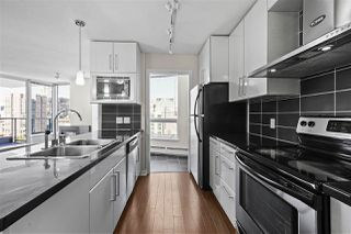"""Photo 10: 2802 188 KEEFER Place in Vancouver: Downtown VW Condo for sale in """"ESPANA TOWER B"""" (Vancouver West)  : MLS®# R2497094"""