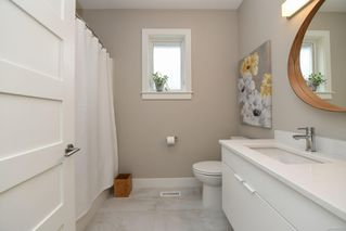 Photo 10: 859 Thorpe Ave in : CV Courtenay East House for sale (Comox Valley)  : MLS®# 856535