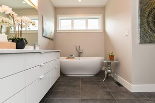 Photo 8: 859 Thorpe Ave in : CV Courtenay East House for sale (Comox Valley)  : MLS®# 856535