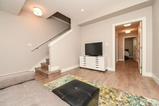 Photo 11: 859 Thorpe Ave in : CV Courtenay East House for sale (Comox Valley)  : MLS®# 856535