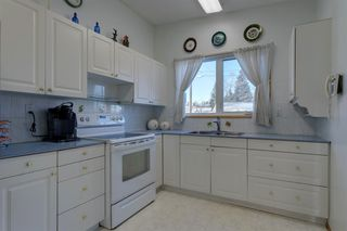 Photo 11: 808 Hunterhaven Road NW in Calgary: Huntington Hills Detached for sale : MLS®# A1055870