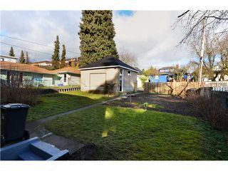 "Photo 10: 319 8 Street in New Westminster: Uptown NW House for sale in ""NE"" : MLS®# V929585"