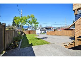 """Photo 10: 527 E 30TH Avenue in Vancouver: Fraser VE House for sale in """"MAIN"""" (Vancouver East)  : MLS®# V1004528"""