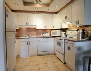 """Photo 5: 208 1202 LONDON ST in New Westminster: West End NW Condo for sale in """"LONDON PLACE"""" : MLS®# V595407"""