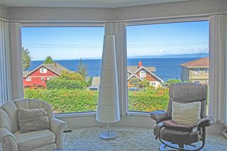 Photo 2: 348 Polar Ave. in Qualicum Beach: Z5 Qualicum Beach House for sale (Zone 5 - Parksville/Qualicum)  : MLS®# 397608