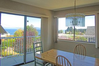 Photo 4: 348 Polar Ave. in Qualicum Beach: Z5 Qualicum Beach House for sale (Zone 5 - Parksville/Qualicum)  : MLS®# 397608
