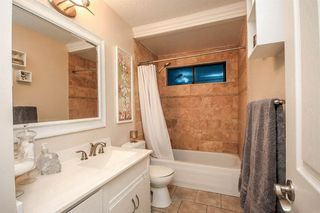 Photo 4: 26456 30A Ave in Langley: House for sale : MLS®# R2128021