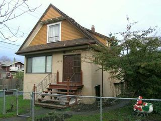 Photo 2: 2636 PRINCE ALBERT Street in Vancouver: Mount Pleasant VE House for sale (Vancouver East)  : MLS®# V624764