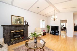 Photo 3: 2052 Jones Ave in North Vancouver: Central Lonsdale House for sale : MLS®# R2289398