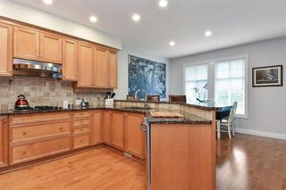 Photo 3: 7 15715 34 Avenue: Townhouse for sale (South Surrey White Rock)  : MLS®# r2257438