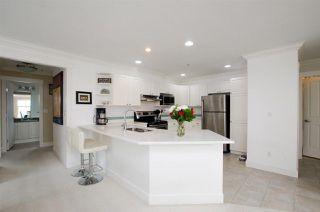 Photo 3: 311 1153 Vidal Street: White Rock Condo for sale (South Surrey White Rock)