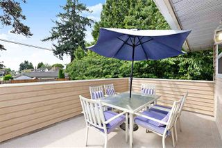 """Photo 10: 6 5501 LADNER TRUNK Road in Delta: Hawthorne Townhouse for sale in """"Sycamore Court"""" (Ladner)  : MLS®# R2402042"""