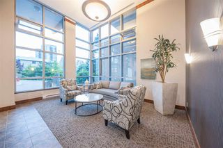 Photo 2: 1704 290 NEWPORT Drive in Port Moody: North Shore Pt Moody Condo for sale : MLS®# R2403490