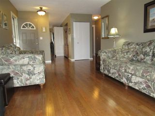 Photo 4: 6403 15 Avenue in Edmonton: Zone 29 House for sale : MLS®# E4173088