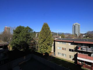"Photo 13: 406 607 COTTONWOOD Avenue in Coquitlam: Coquitlam West Condo for sale in ""Stanton House By Polygon"" : MLS®# R2427612"