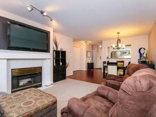 """Photo 3: 207 17730 58A Avenue in Surrey: Cloverdale BC Condo for sale in """"Derby Downs"""" (Cloverdale)  : MLS®# R2441081"""