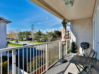 """Photo 15: 207 17730 58A Avenue in Surrey: Cloverdale BC Condo for sale in """"Derby Downs"""" (Cloverdale)  : MLS®# R2441081"""