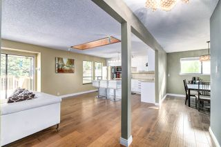 """Photo 6: 13487 18 Avenue in Surrey: Crescent Bch Ocean Pk. House for sale in """"Chatham Woods"""" (South Surrey White Rock)  : MLS®# R2447379"""