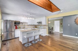 """Photo 7: 13487 18 Avenue in Surrey: Crescent Bch Ocean Pk. House for sale in """"Chatham Woods"""" (South Surrey White Rock)  : MLS®# R2447379"""