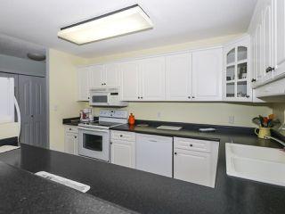 "Photo 10: 406 1442 FOSTER Street: White Rock Condo for sale in ""WHITE ROCK SQUARE II"" (South Surrey White Rock)  : MLS®# R2448884"