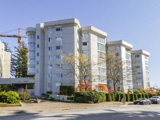"Main Photo: 406 1442 FOSTER Street: White Rock Condo for sale in ""WHITE ROCK SQUARE II"" (South Surrey White Rock)  : MLS®# R2448884"