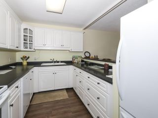"Photo 9: 406 1442 FOSTER Street: White Rock Condo for sale in ""WHITE ROCK SQUARE II"" (South Surrey White Rock)  : MLS®# R2448884"