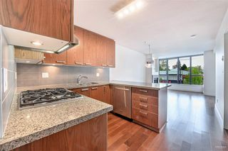 """Photo 4: 318 3228 TUPPER Street in Vancouver: Cambie Condo for sale in """"OLIVE"""" (Vancouver West)  : MLS®# R2452377"""