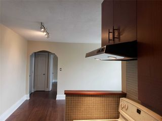 Photo 17: 304 480 Oriole Parkway in Toronto: Yonge-Eglinton Condo for sale (Toronto C03)  : MLS®# C4781064