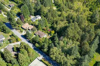 Photo 3: 834 PARK Road in Gibsons: Gibsons & Area House for sale (Sunshine Coast)  : MLS®# R2494965
