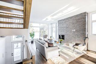 Photo 3: 9621 152 Street in Edmonton: Zone 22 House Half Duplex for sale : MLS®# E4221534