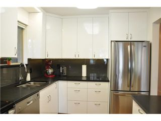 "Photo 5: 6 5565 OAK Street in Vancouver: Shaughnessy Condo for sale in ""SHAWNOAKS"" (Vancouver West)  : MLS®# V946149"