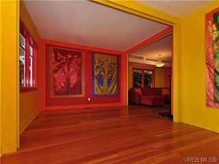 Photo 4: 1245 Queens Avenue in VICTORIA: Vi Fernwood Single Family Detached for sale (Victoria)  : MLS®# 323561