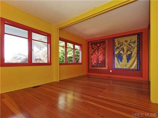 Photo 3: 1245 Queens Avenue in VICTORIA: Vi Fernwood Single Family Detached for sale (Victoria)  : MLS®# 323561