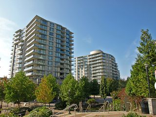 Photo 1: 605 175 W 1ST Street in North Vancouver: Lower Lonsdale Condo for sale : MLS®# V1021025