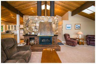Photo 5: 2987 Cedar Drive in Blind Bay: Cedar Heights House for sale : MLS®# 10102487