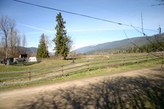 Photo 2: 21 McManus Road: Grindrod House for sale (Shuswap Region)  : MLS®# 10114200