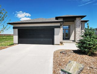 Photo 1: 29 Lakebourne Place in Winnipeg: Amber Trails Single Family Detached for sale (4F)
