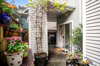 "Photo 17: 103 1465 COMOX Street in Vancouver: West End VW Condo for sale in ""BRIGHTON COURT"" (Vancouver West)  : MLS®# R2508131"