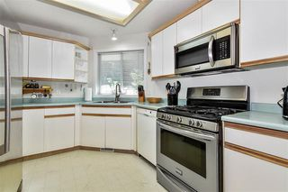Photo 3: 33632 Dewdney Trunk Rd in Mission: House for sale : MLS®# R2507830