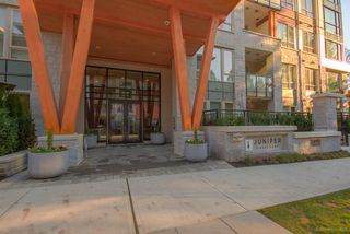 """Photo 2: 106 2632 LIBRARY Lane in North Vancouver: Lynn Valley Condo for sale in """"JUNIPER"""" : MLS®# R2521824"""