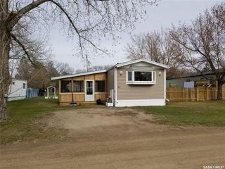 Photo 1: 32 Brentwood Trailer Court in Unity: Residential for sale : MLS®# SK837719