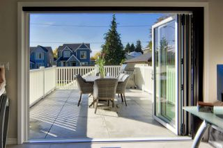 Photo 18: 914 THIRTEENTH Street in New Westminster: West End NW House for sale : MLS®# R2526819